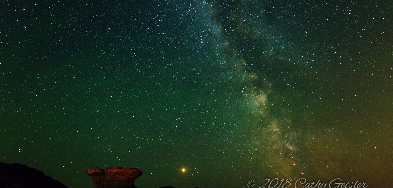 Avonlea Badlands - Hoodoo, Mars and Milky Way